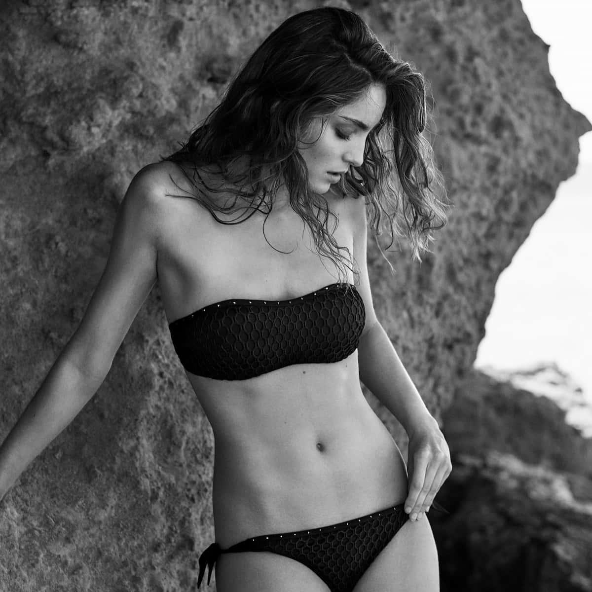 Trägerloser Bikini Modell Kathryn von Andres Sarda, Sommer 2021