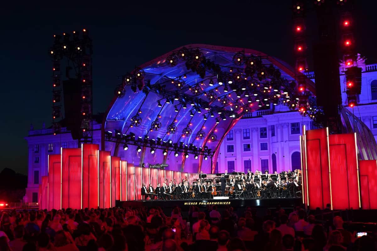 Wiener Philharmoniker 2021 beim Sommernachtskonzert vor dem Schloss Schönbrunn