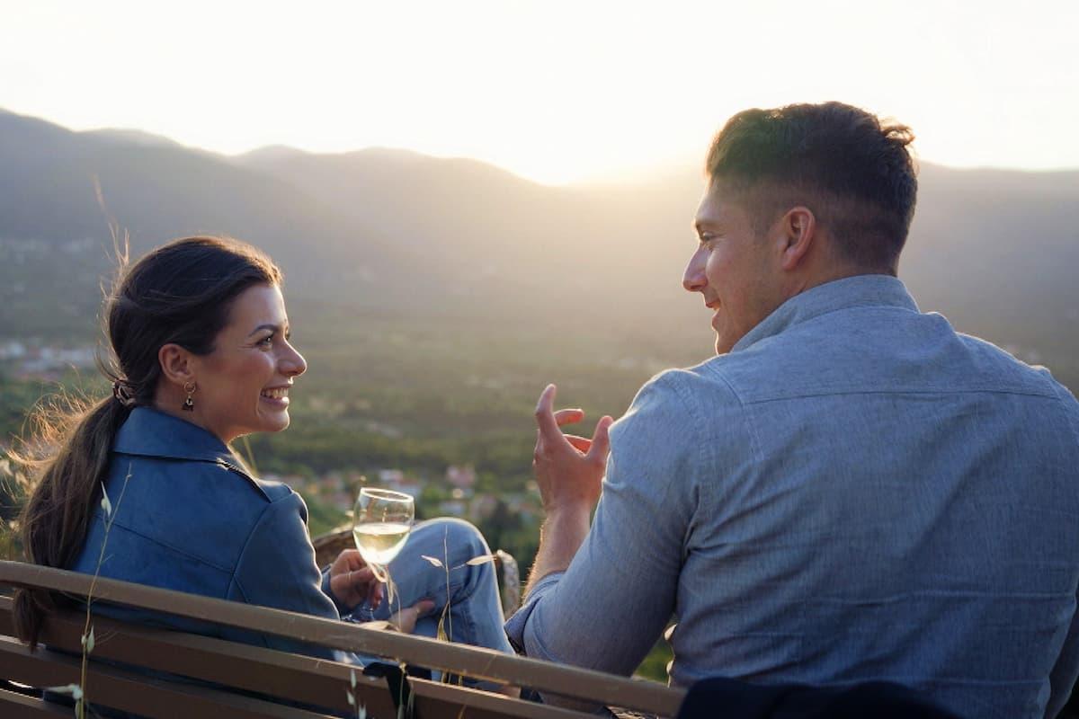 Bachelorette am 21.7.2021 Folge 2 - Maxime und Tony im Gespräch