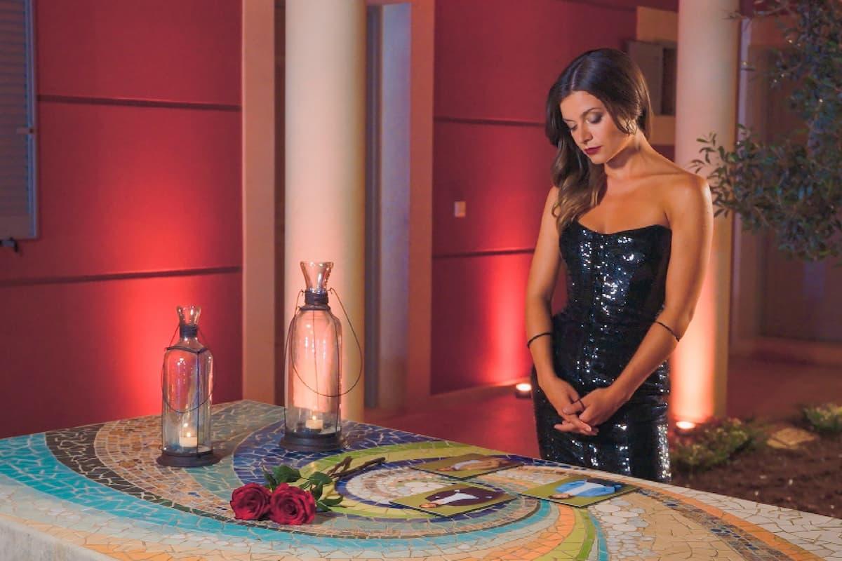 Bachelorette am 1.9.2021 - Maxime in der Nacht der Rosen vor der Entscheidung, wer ausscheiden muss