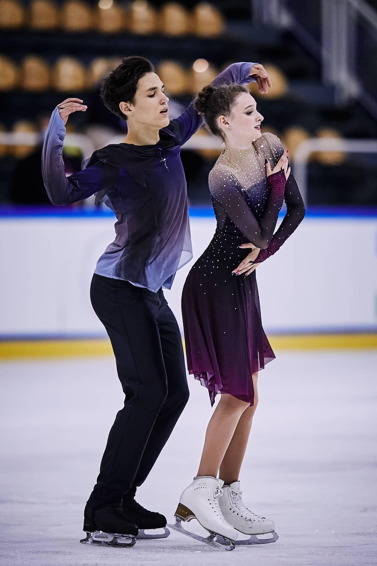 Darya Grimm - Michail Savitskiy aus Deutschland beim ISU Junior Grand Prix 2021 in Courchevel 1 im Free Dance