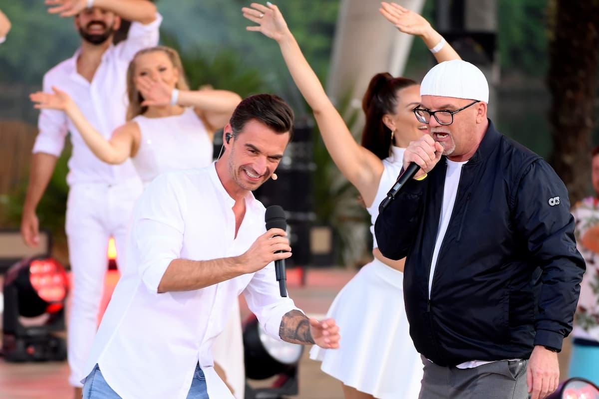 Florian Silbereisen mit DJ Ötzi am 14.8.2021 im Fernsehen