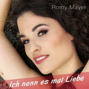Romy Mayer mit ihrem ersten Schlager 'Ich nenn es mal Liebe'