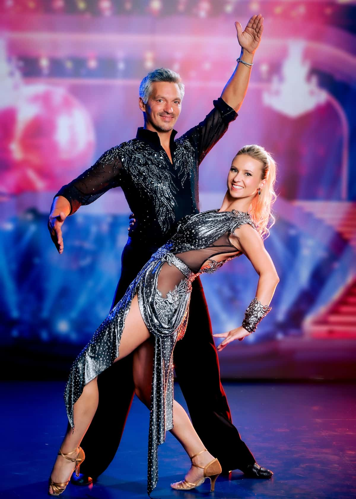 Faris Rahoma - Katrin Kati Kallus im Kleid für die Dancing Stars am 24.9.2021