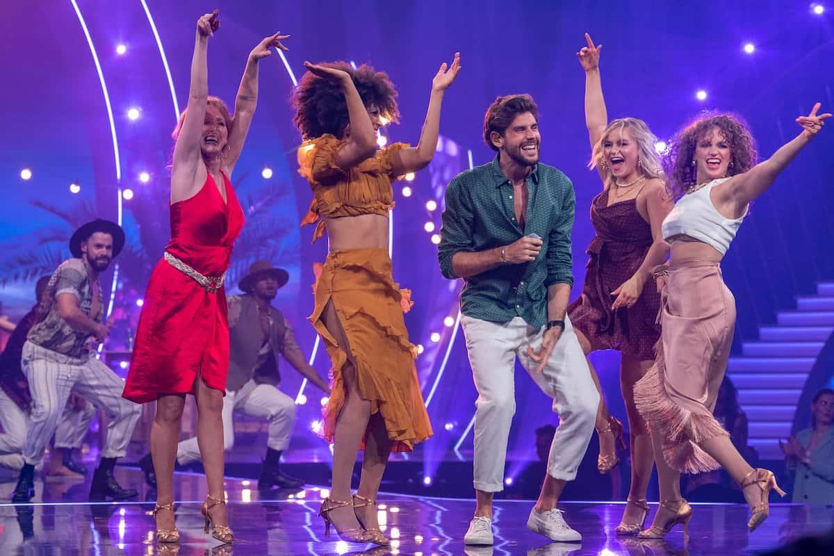 Giovanni Zarrella Show 11.9.2021 - Alvaro Soler mit Tänzerinnen