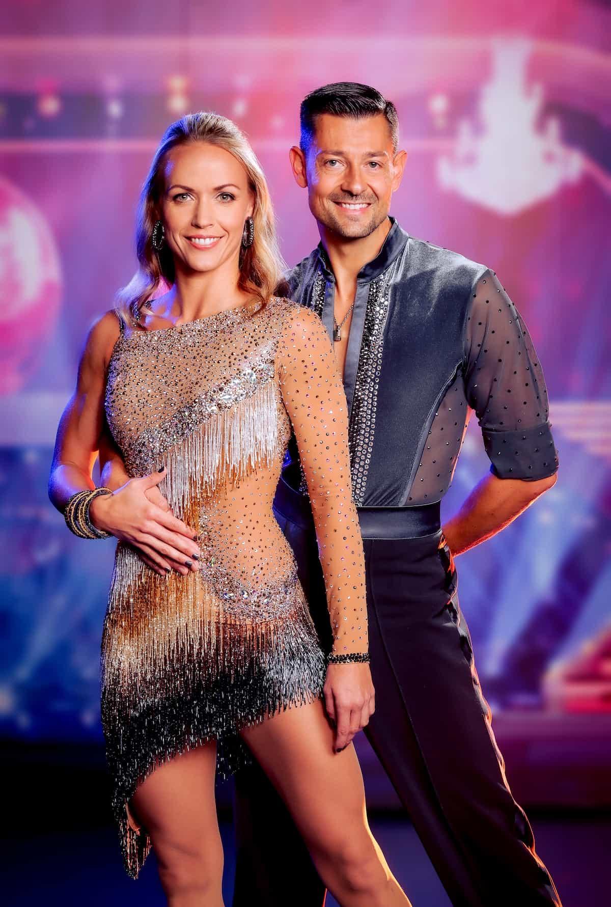 Jasmin Ouschan - Florian Gschaider im Kostüm für die Dancing Stars am 24.9.2021